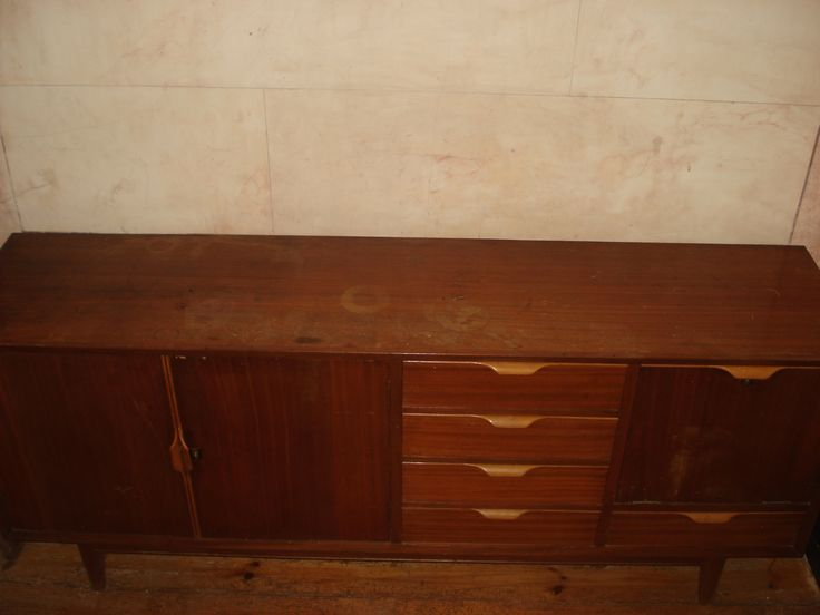 Sideboard '60 1,955 (comp.) x 0,81 (larg.) x 0,46 (prof.) 280€