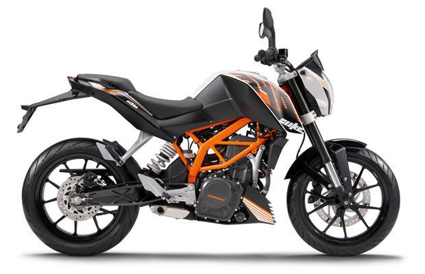 KTM 390 Duke and 200 Duke - The 10 Best Beginner Motorcycles | Complex UK