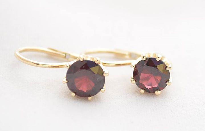 Gorgeous gold earrings with granate / Złote kolczyki z granatem robione na zamówienie klienta