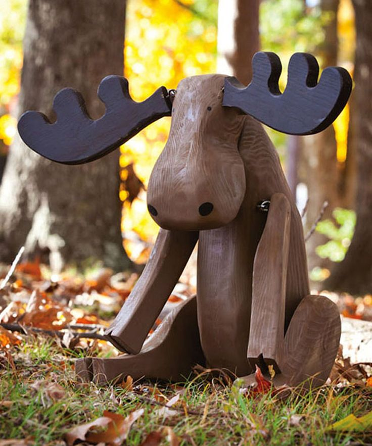 The Perfect Accent Piece For Gardens And Porches This Figurine Lends A Hand Crafted Feel Rustic Touch To Cabin Or Lake House Outdoor Décor
