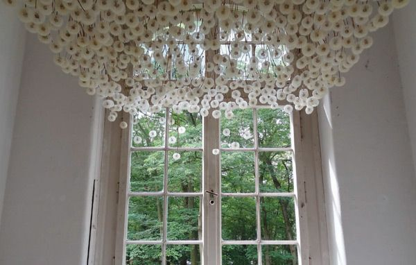 2,000 Suspended Dandelions by Regine Ramseier installation flowers dandelions