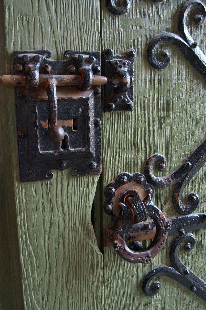 24/7 Emergency locksmith in Galway, always on call, fast response. http://www.locksmithsgalway.ie