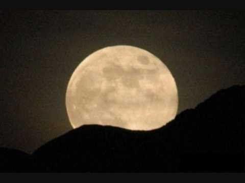 Ευανθία Ρεμπούτσικα - Τα μυστικά της σελήνης