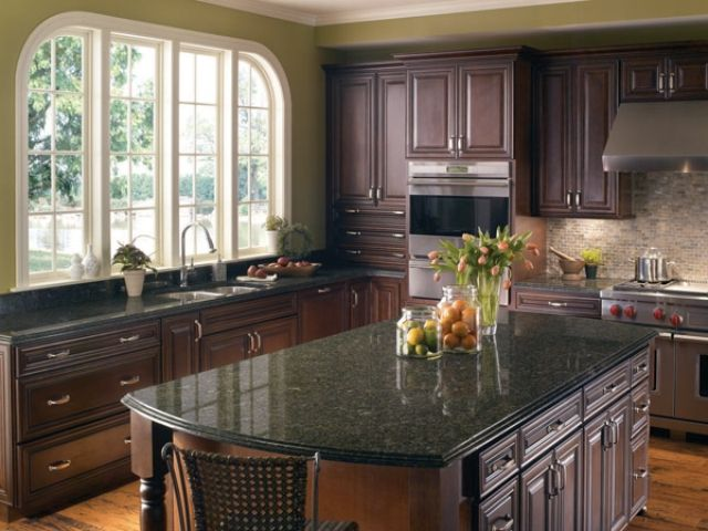 Possibly Go Dark On Cabinets With Green Granite