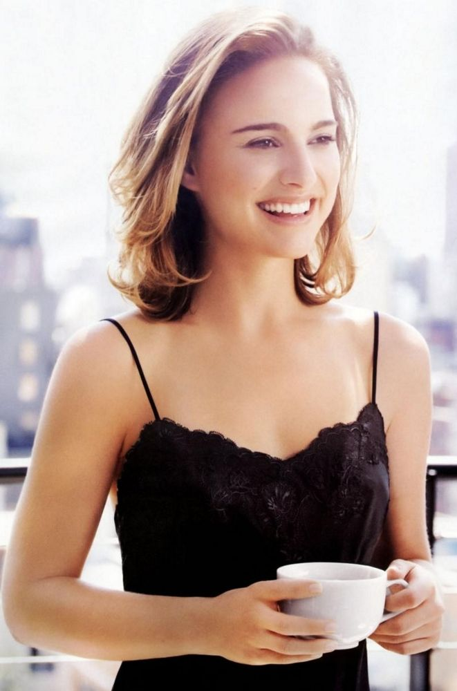 Top 10 Sexiest Pictures of Natalie Portman ... http://celevs.com/natalie-portman-style/