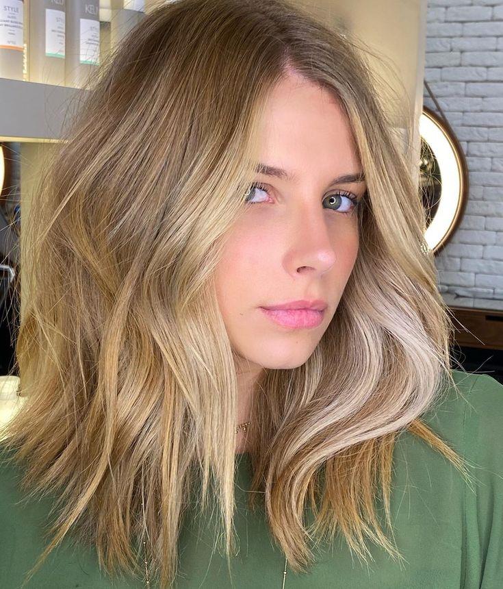 Loiro dourado: 26 fotos + dicas e produtos para um cabelo radiante em 2020 | Cabelo, Cabelo loiro escuro natural, Loiro