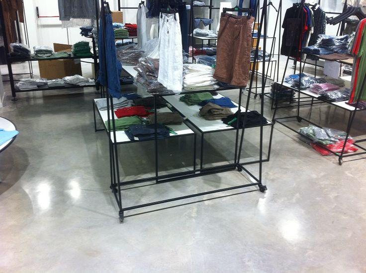 http://www.pavimentoscarrera.com/index.php/productos/pavimentos-decorativos/abrillantados