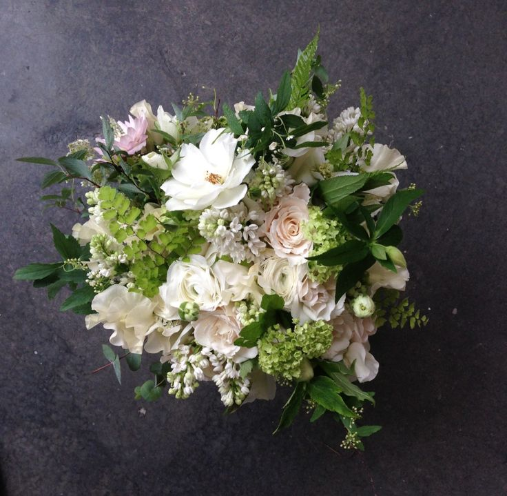 natural green and white bouquet wedding bouquet pinterest white bouquets bouquets and. Black Bedroom Furniture Sets. Home Design Ideas