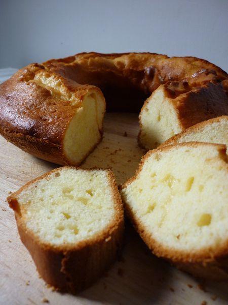 #ricette #Ciambella allo yogurt greco http://www.amando.it/casa-cucina/ricette/bimby/ciambella-yogurt-greco.html