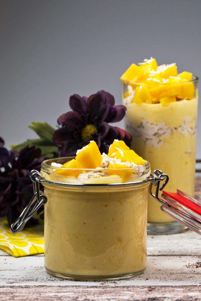 Süßes Frühstück - Mango-Joghurt mit Kokos-Haferflocken