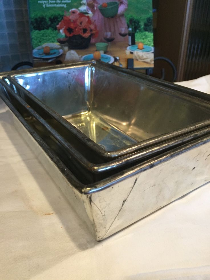 Vintage Loaf Pans Three Metal Bake King Pans Size 11, 22 and 33 by missenpieces on Etsy
