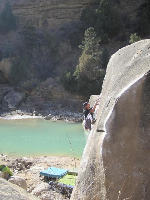 <> Bouldering in Joes Valley, Utah | Steve W Weiss - Mountain Enthusiast