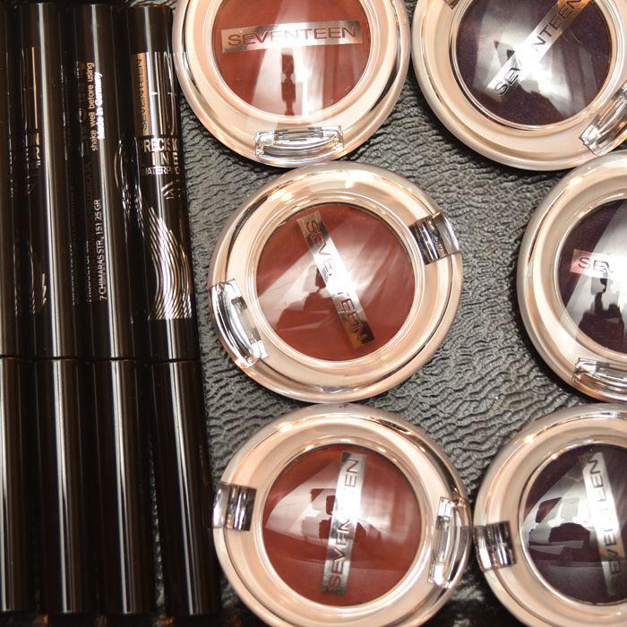 Eye shadow or Eye liner? Or Both? Choose the best colors for your eye makeup! #eyeshadow #eyeliner #seventeencosmetics #eyes #eyemakeup