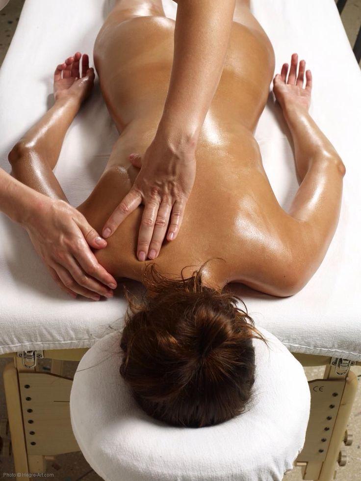 Podczas masażu osoba masowana najlepiej aby była całkowicie bez ubrań oraz bielizny osobistej. Można zastosować specjalne majtki masażowe wykonane z celulozy. Miejsca osobiste najlepiej przykryć jest ręcznikiem. Ważne jest to aby w pokoju gdzie masujemy zawsze było ciepło. Oliwka do masażu powinna być też wcześniej specjalnie podgrzana. Po masażu ważnym jest aby nie wyziębiać ciała i ubrać się ciepło. Masaże można stosować codziennie.