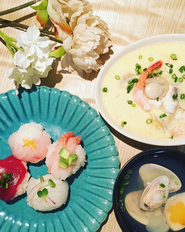 今更のひな祭りメニューお仕事で作ったレシピ手まり寿司レンジ海鮮茶碗蒸しはまぐりのお吸い物 #ひなまつり #ひな祭り #手まり寿司 #茶碗蒸し #まこめし #makofoods #instafood