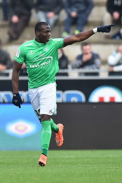 Saint-Etienne's Guinean defender Florentin Pogba celebrates after scoring a goal during the French Ligue 1 football match between Angers (SCO) and Saint Etienne (ASSE), on November 27, 2016, in Jean Bouin Stadium, in Angers, northwestern France. / AFP / JEAN-FRANCOIS MONIER