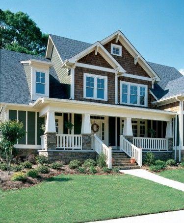 | Craftsman House Plan from BuilderHousePlans.com