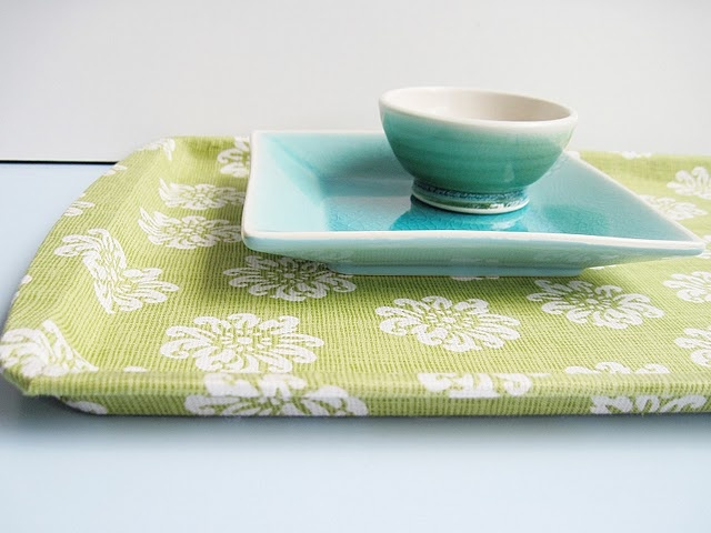 Fabric covered cookie sheets = Fab Trays!