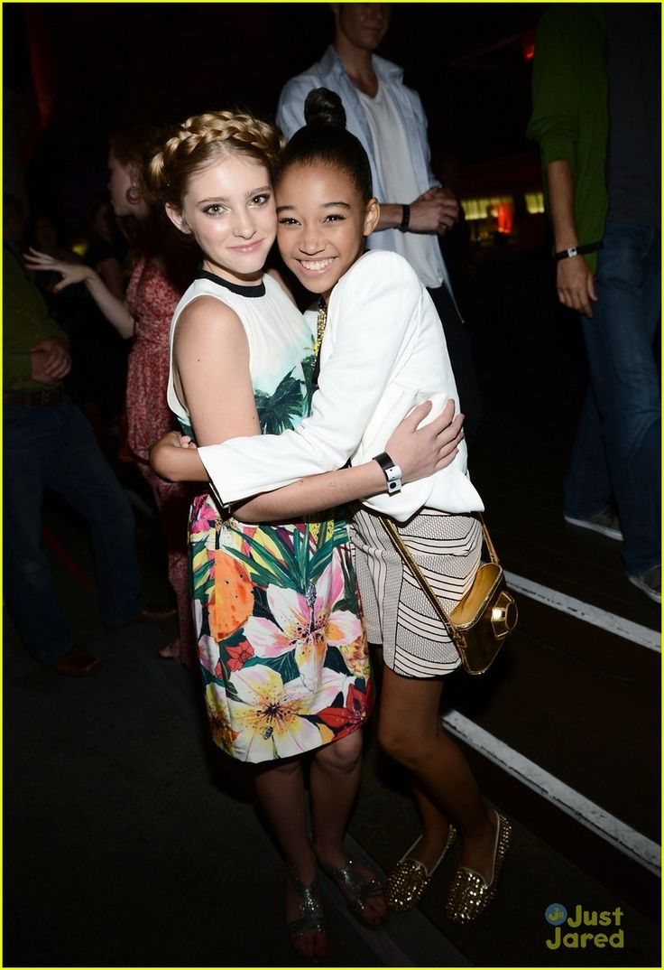 Comic Con 2012: Amandla Stenberg & Willow Shields at The Hunger Games Cast Signing
