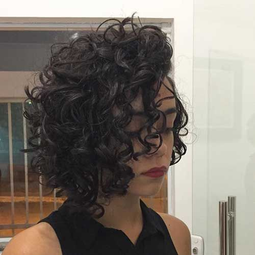 hair styles for medium lenght 25 best layered curly hairstyles ideas on 8307