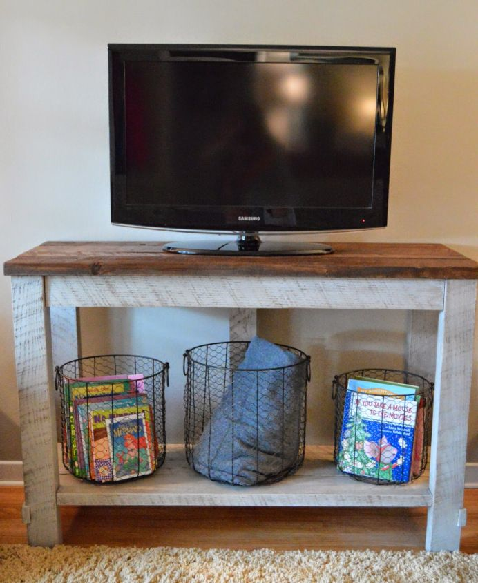 Build your own DIY Reclaimed Wood TV Table with this step-by-step tutorial!! -- Tatertots and Jello #DIY: Woods Tv, Decor Ideas, Hiding Tv Cords, Kruse Workshop, Reclaimed Woods, Tv Tables, Diy Reclaimed, Wire Baskets, Diy Projects