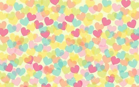 Variedades de corazones de diferentes colores..