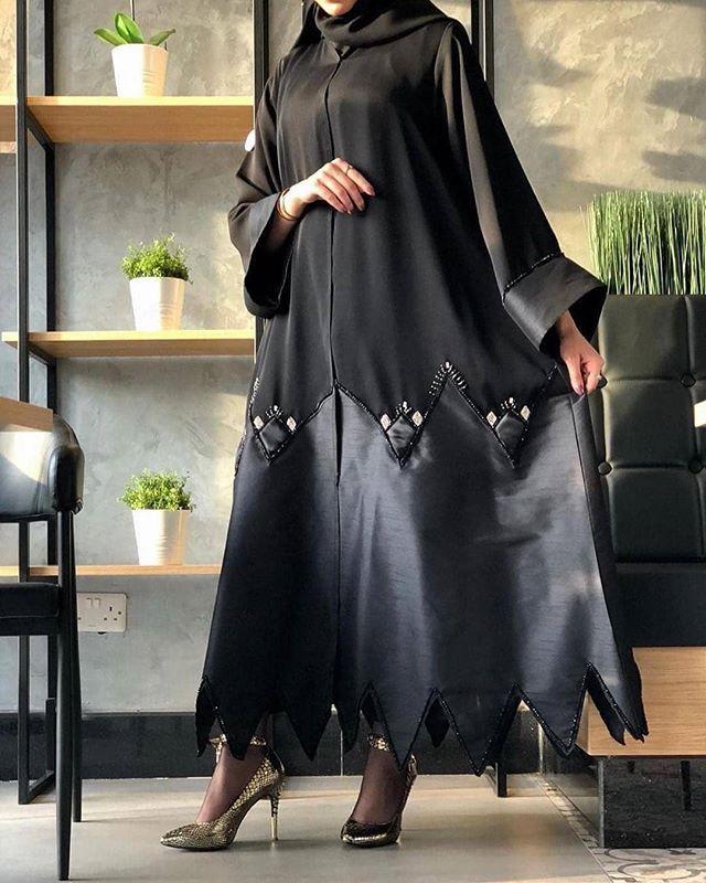 Repost Tiii600 عبايات ستايل وفخمه للمناسبات ولا يطوفكم عبايه اللولو بعد Abayamention Abayamention Ab Abayas Fashion Abaya Fashion Latest Pakistani Dresses