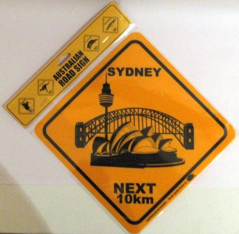 19-cm-sydney-opera-house-roadsign by Flickr user Australia Souvenir Gift Shop