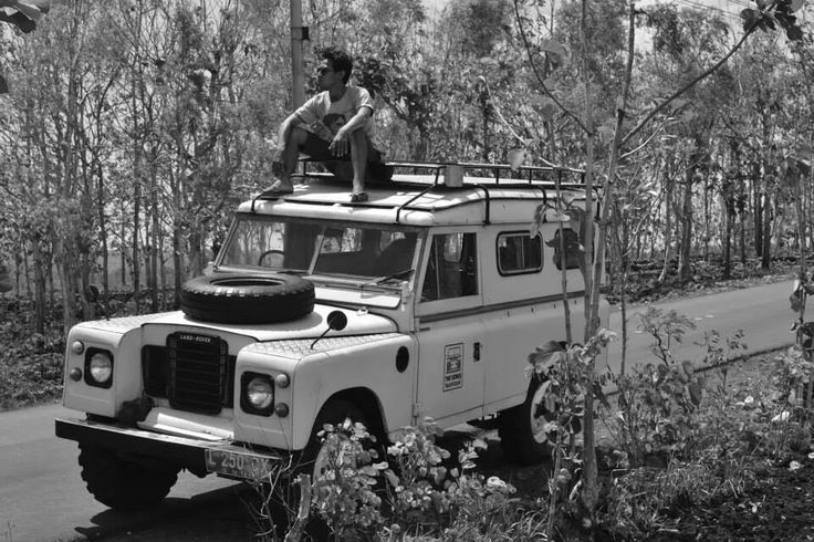 Over the Jungel, Land Rover, Lands it !
