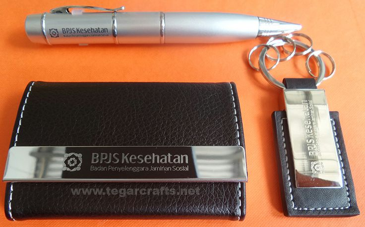 Gift sets for staff in order official inauguration Healthy Social Security Agency (BPJS Kesehatan) Pangkal Pinang Regional Office Bangka Belitung Indonesia. contains of Flashdrive pen pointer, bussines card holder-type M-68 and key ring. Everything with branding logo BPJS Kesehatan. Also used as a gift for the handover ceremony, the inauguration of expatriates or new ambassador served in Indonesia.