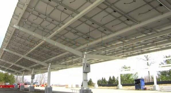 Solaire Generation lanza la Max Rack su nueva marquesina solar para aparcamientos, que además de su gran facilidad de instalación puede ser utilizada junto con un sistema de recarga para EVs y puede incorporar un sistema de recogida de aguas pluviales