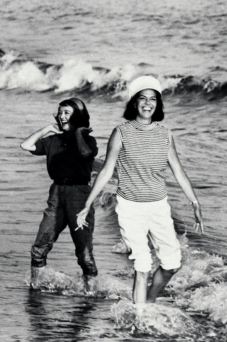 Vintage Malibu Bette Davis And Jacqueline Susann Author Right Splashed