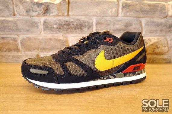 Nike Air Waffle Trainer Black Cargo Khaki Camo