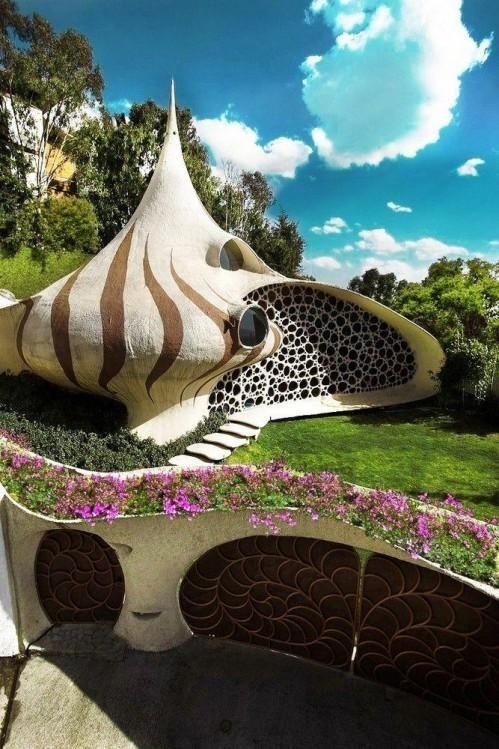 Die Nautilus Haus in Mexiko-Stadt: außergewöhnliches Beispiel der Bio-Architektur in Form von Riesenmuschel