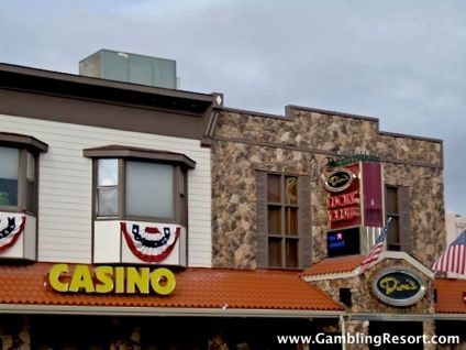 dinis lucky club casino yerington nv
