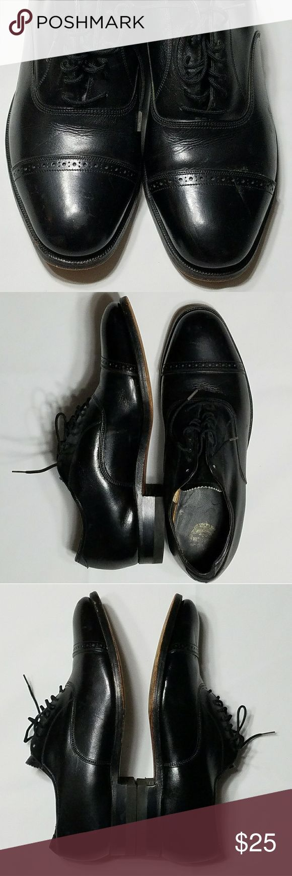 Florsheim men's oxfords dress shoes Classic styling make these all leather lace-up oxfords perfect for many occassions from the office to a wedding. Very good pre-owned condition. Florsheim Shoes Oxfords & Derbys