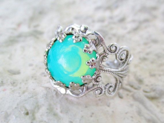 Round Opal Ring Vintage Opal Ring Green por pinkingedgedesigns