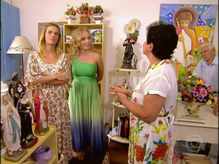 Em Paraty, Carol Dieckmann faz passeio e fala de amizade com Nanda Costa http://gshow.globo.com/programas/estrelas/videos/t/programas/v/em-paraty-carol-dieckmann-faz-passeio-e-fala-de-amizade-com-nanda-costa/2423653/