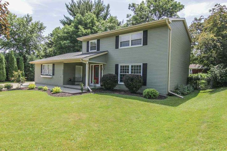 2202 Teal Dr  Madison , WI  53711  - $273,500  #FitchburgWI #FitchburgWIRealEstate Click for more pics