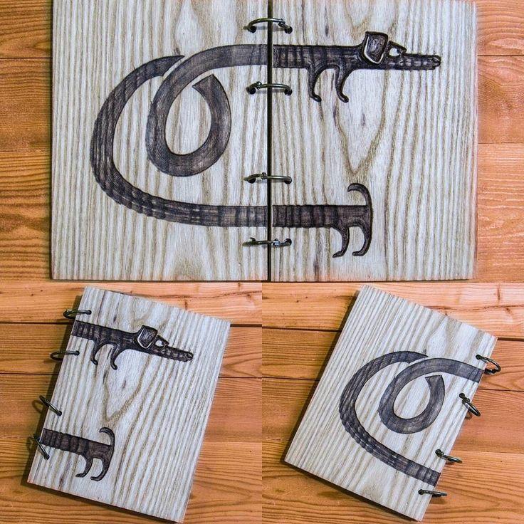 Скоро долгожданная пятница! С чем вас и поздравляем) А такой блокнот стал отличным подарком на 8 марта!  А акция продолжается и уже лишь 8 человек смогут получить блокнот по скидке! . . . . . . . . . . . #handmade #ручнаяработа #скетчбук #блокнот #skecthbook #original #wood #дерево#handcrafted#продажа#чтоподарить#идеяподарка