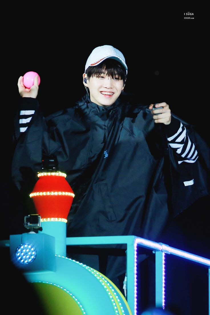 """foryoongi: """"""""161128 japan official fanmeeting by isuga。 thank you! ◇ please do not edit, and take out with credit。 """" """""""