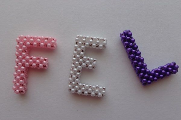 Írjunk gyöngybetűkkel! - Mesés gyöngyök