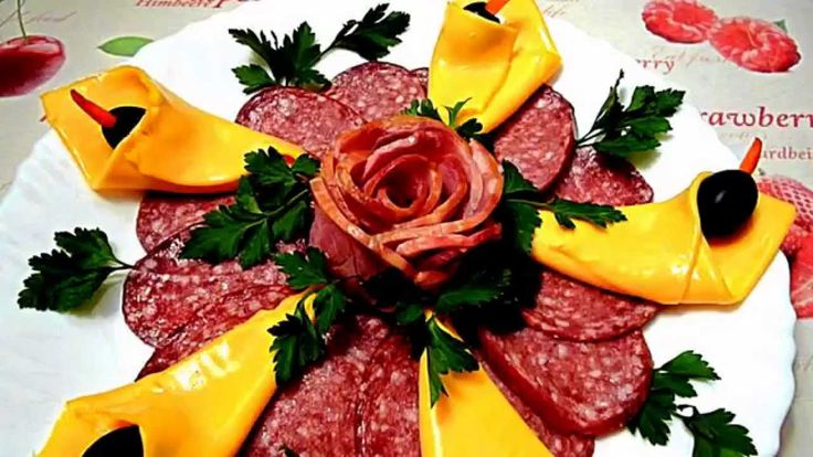 Колокольчики из сыра и роза из ветчины прекрасно украсят ваш праздничный стол. По желанию сыр можно зафаршировать любой…