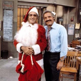 Barney Miller ( Hal Linden  ) & Fish ( Abe Vigoda )