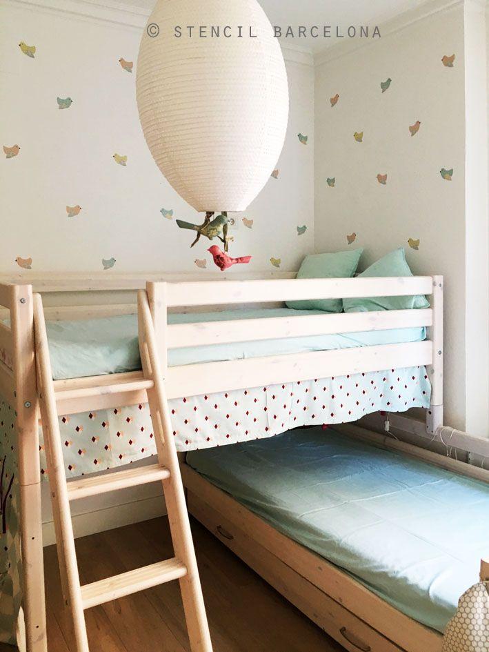 Habitaci n infantil con mini vinilos birds habitaciones for Vinilos habitacion infantil