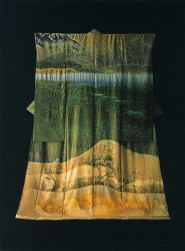yeap, this #kimono or should I say wearable art is another Itchiku Kubota...