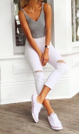 High-waisted & cropped white skinny jeans, tank top & white Converse trainers | Spring & Summer Outfits