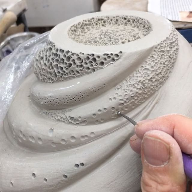 The #upsidedown #dottery ✍ part of my #pottery ⚱️#process with my @xiem_clay_center #claytools . Happy 1st  pm of #Hanukkah ! #ceramicartist #ceramics #potter #sculpture #clay #notrypophibicsplease #handcrafted #finecraft #contemporaryart #contemporarypottery #contemporarycraft #coastaldecor #makersgonnamake #poke #dots #artprocess #processvideo @pottery_videos