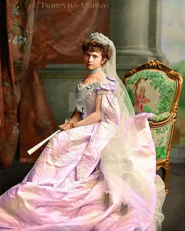 Queen of Hearts, Grand Duchess Anastasia Nikolaevna Romanova of Russia in a court dress (1901-1918) by TsarevnaMaria on DeviantArt