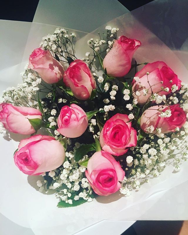 Anniversary? Birthday? Just because? No reason needed to grab this stunning bunch.. but hurry as we have limited stock, available tomorrow via @peregiangardencentre #petalbliss #flowers #roses #babysbreath #pink #peregiangardencentre #peregiansprings #sunshinecoast #sunshinecoastflorist #flowergift